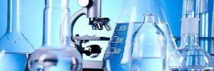 Imagem de alguns equipamentos de calibração sendo utilizados em medições.