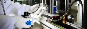 Imagem de um aparelho de metrologia sendo calibrado. Essa imagem simboliza o artigo sobre: A importância de um software para apoiar o processo de calibração da sua indústria.
